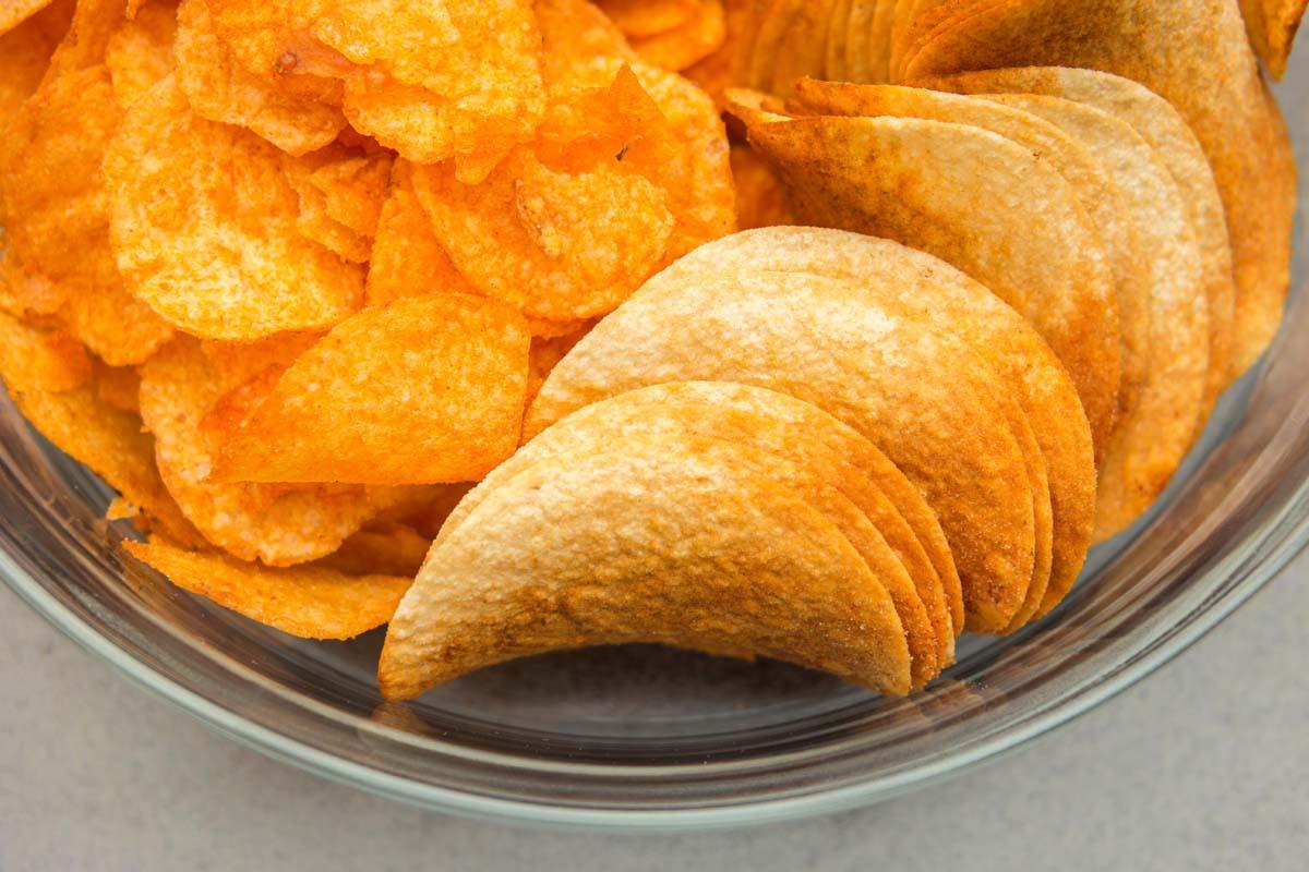 Patatas fritas y aperitivos